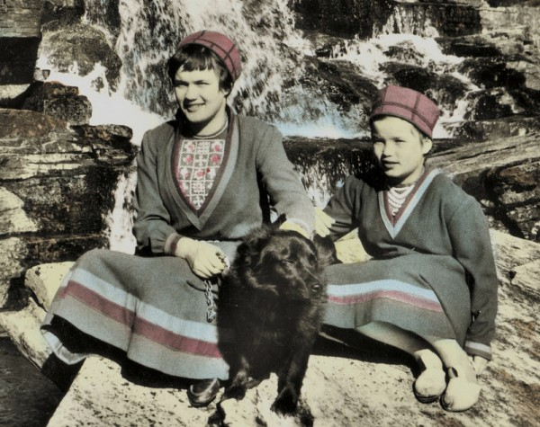 sami children with dog